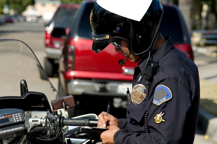 Police Use Tricks to Trap Texting Drivers