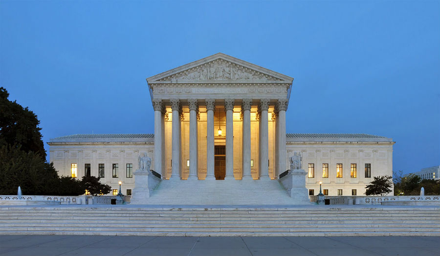 Panorma of the Us Supreme Court building