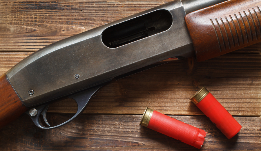 Remington 870 12 gauge pump shotgun